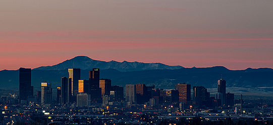 Sunrise_Over_Denver_Skyline